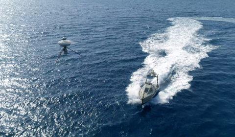 Suivi de drone IT180 et drone de surface Inspector, sécurité portuaire. ECA ROBOTICS