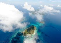 Vol au dessus Flowers Island